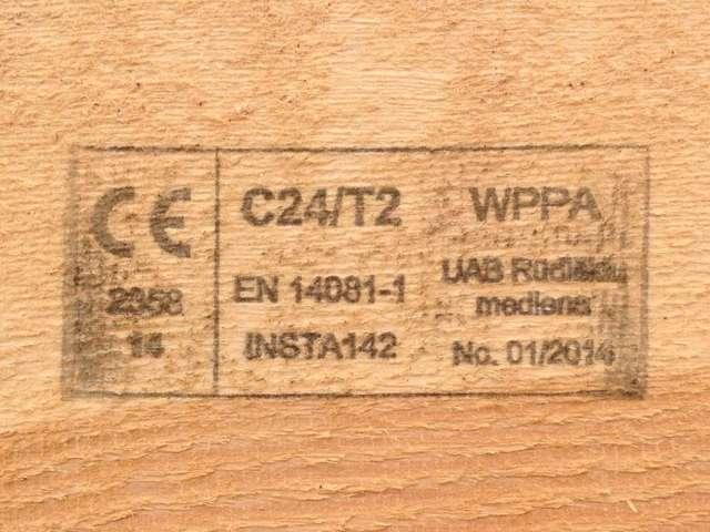 C24 Graduota mediena
